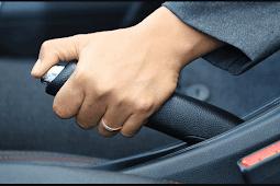 Ciri Ciri dan Penyebab  Rem Tangan Mobil Kurang Pakem