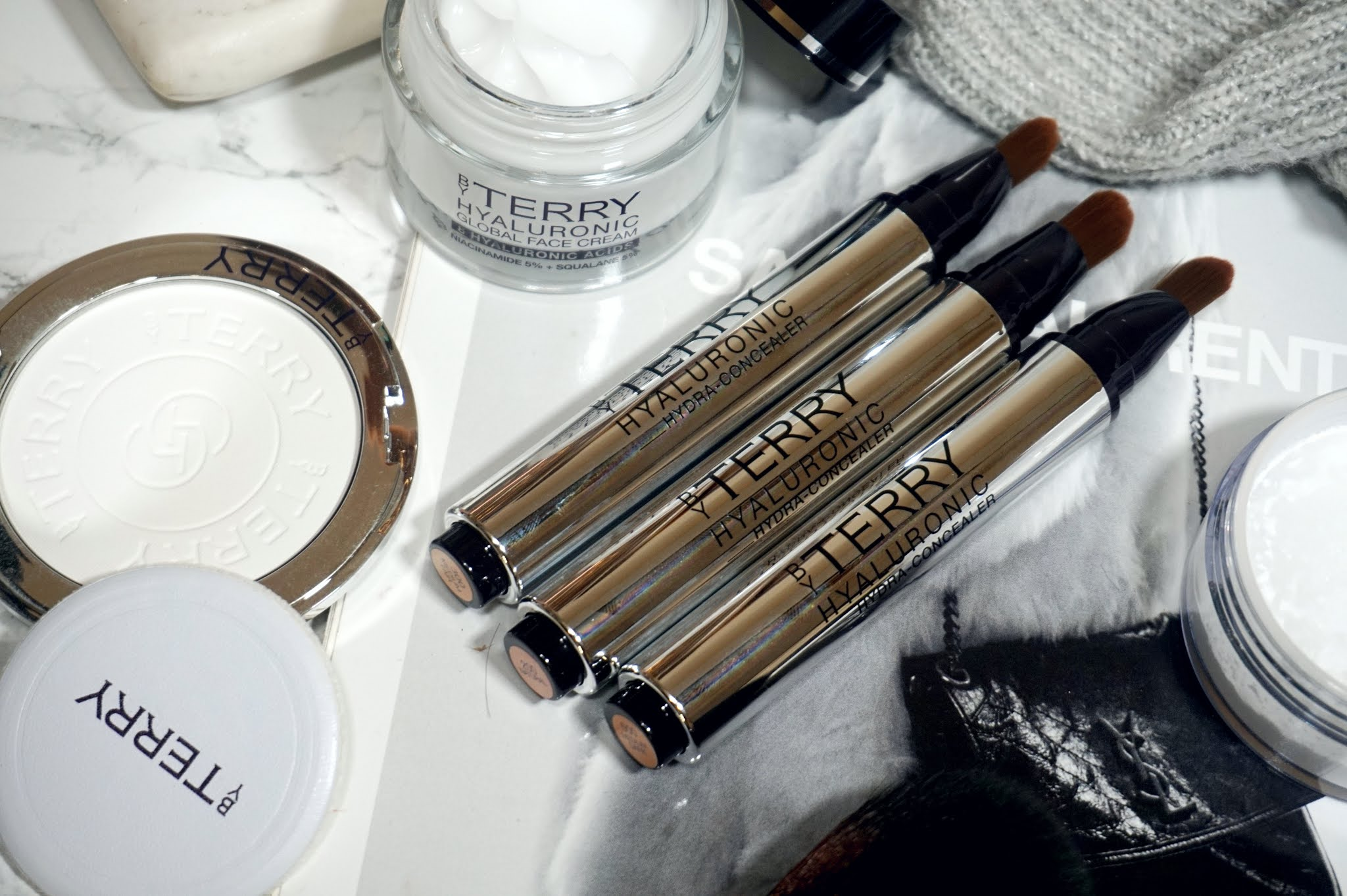 By Terry Hyaluronic Hydra-Concealer Review and Swatches