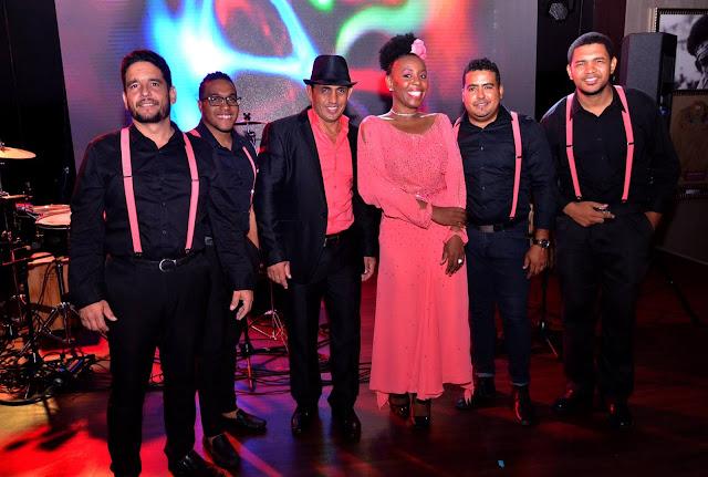 Latin Nights de Hard Rock Cafe, música en vivo para bailadores