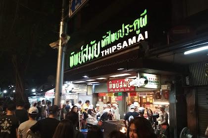 down Best Pad Thai in Bangkok - Thip Samai
