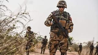 الجيش المغربي يكبد مرتزقة البوليساريو خسائر فادحة بين قتيل وجريح وتدمير آليات