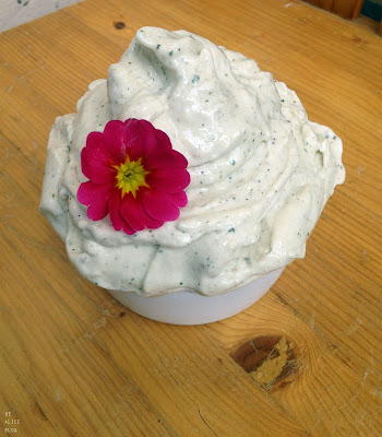 http://be-alice.blogspot.com/2015/07/mint-vanilla-green-tea-ice-cream-raw.html