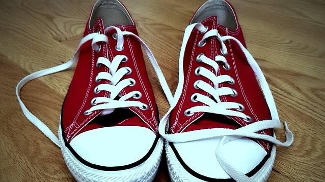 Tênis vermelho