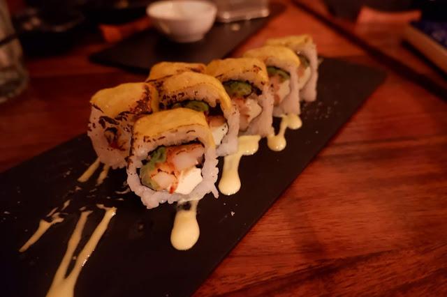 nikkei shrimp roll japanese fried cream cheese