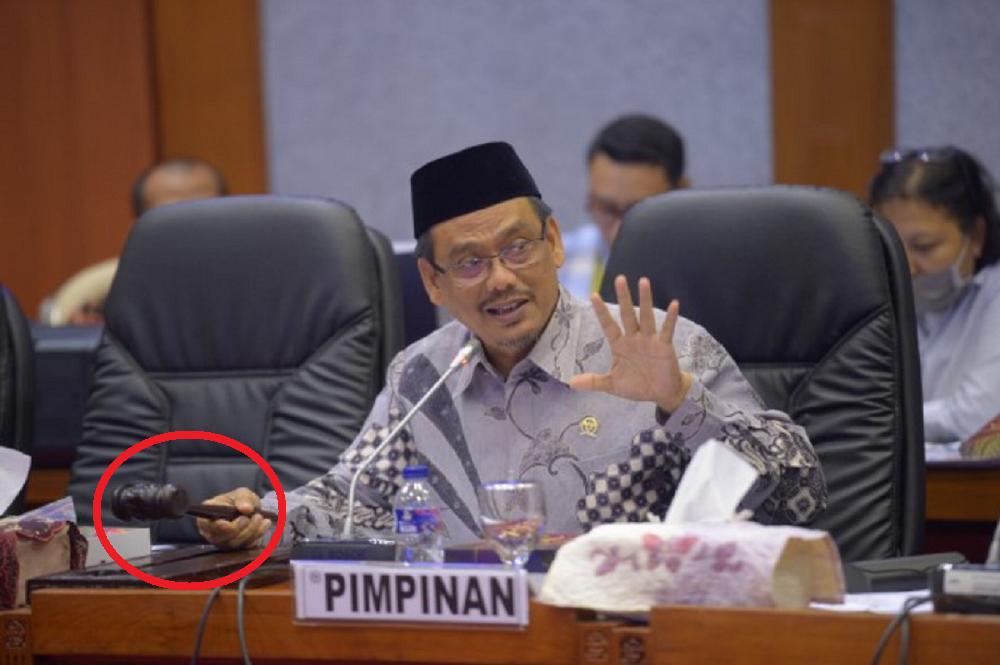 SAH! Didukung Penuh DPR-RI Honorer 35 Tahun Menjadi PNS Tanpa Tes, Alhamdulillah