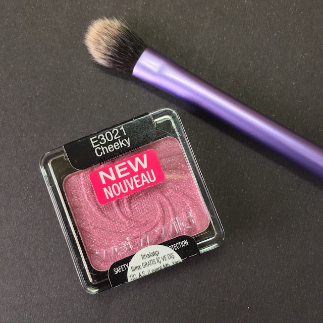 wet n wild color icon cheeky far incelemesi