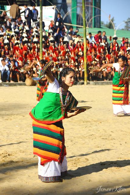 Kachari tribe women perform plate dance in tradition dress 3