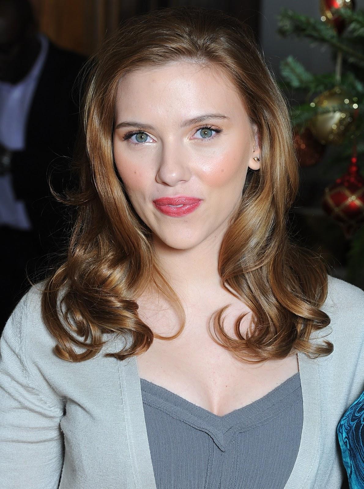 Ileana D Cruz Hd Wallpaper Global Pictures Gallery Scarlett Johansson Escote Hd