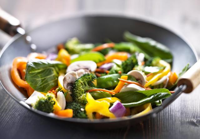 8 Cara Mudah Membersihkan Diet Anda untuk Jantung yang Lebih Sehat