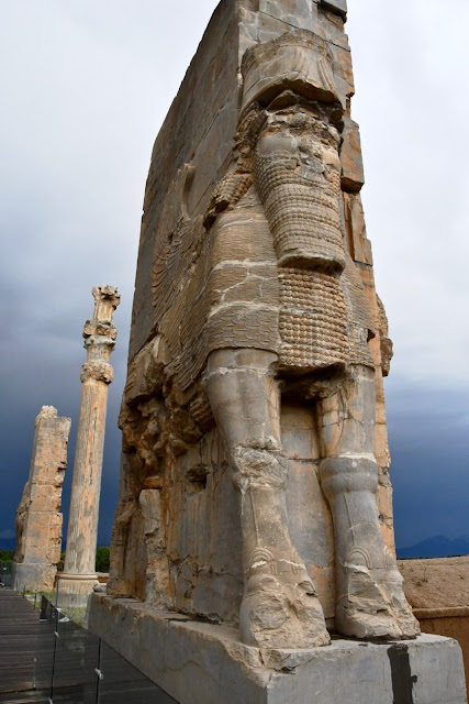 Vakantie iran, iran reis joker, persepolis, alexander de grote, zoroastre, The Gate of Nations, oude perzië, Apadana Paleis van Darius I, Tripylon, Xerxes I, Ardashir I, Xeres II, Naqsh-e-Rajab, Ahura Mazda,  Cyrus de Grote, Pasargadae , Homestay in Sa'Adat Shar, iraanse voeding, tips voor een reis naar iran
