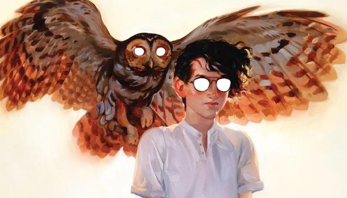 Imagem: ilustração de Timothy Hunter, um garoto franzino de cabelos pretos e um par de óculos ao lado de uma coruja enorme pousando em seu ombro.