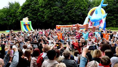 GRAND-QUEVILLY. Des milliers de Grand-Quevillais ont revisité leur jeunesse en assistant au 50e anniversaire du centre de loisirs.