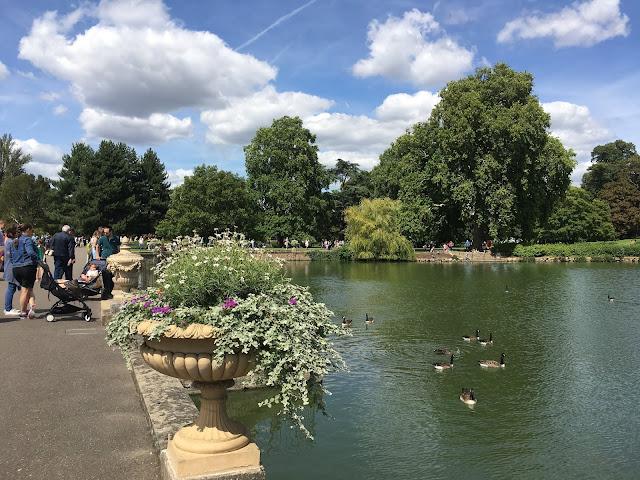 Londra Parkları, Kew Gardens, İngiltere'de yaşamak