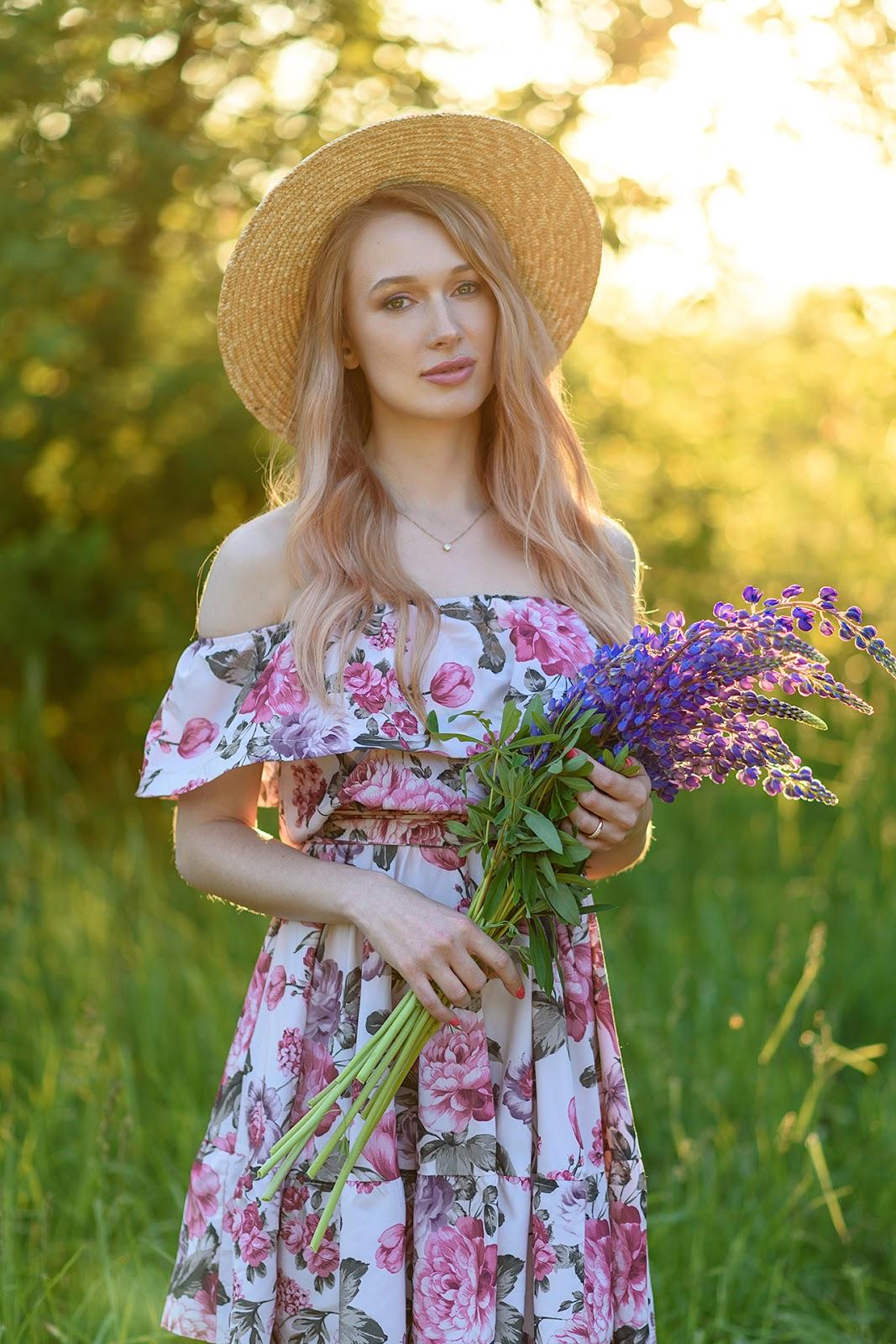 Портрет летом на закате