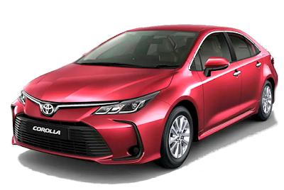سيارة تويوتا كورولا حديثة جداً لونها احمر ، حمراء اللون
