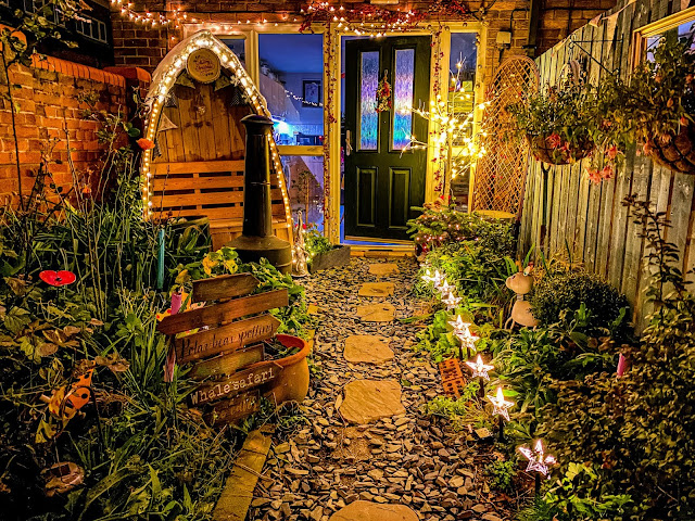 The enchanted winter garden, christmas is a cosy blanket, mandy charlton, photographer, writer, blogger