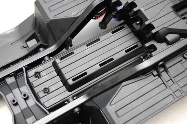 Traxxas TRX-4 underside battery tray