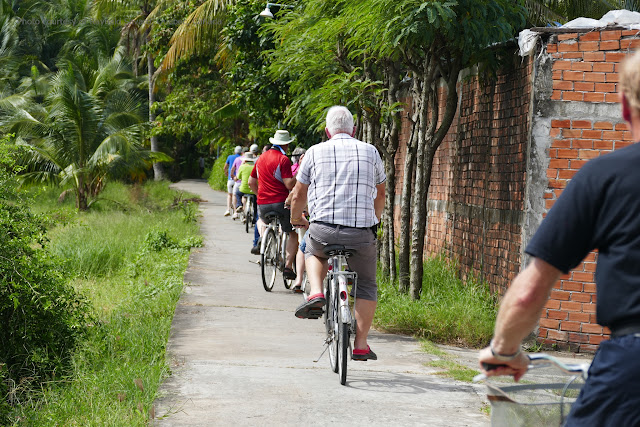 Visit rural mekong delta in Ben Tre