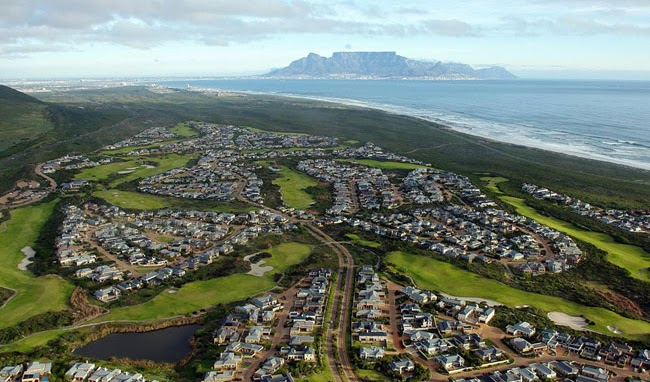 Exploring Blouberg suburbs in Capetown | Property prices and lifestyle