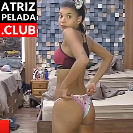 """Jakelyne Oliveira TODA GOSTOSA ajeitando a calcinha """"A Fazenda 12"""""""