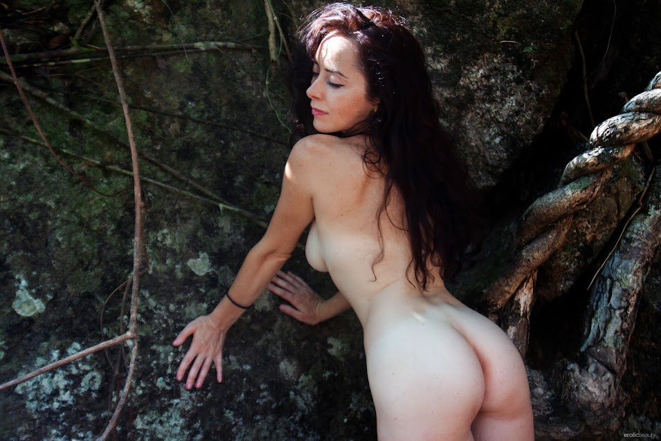 [EroticBeauty] Madivya - In The Jungle - idols