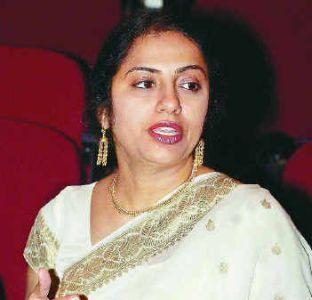 TeluguMovieClub Old E Suhasini Pics