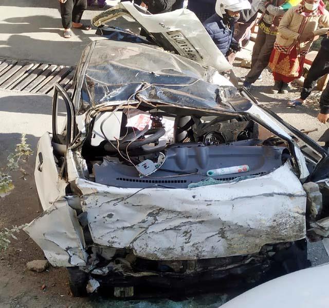 शिमला में कार के खाई में गिरने से पति-पत्नी की मौत, 3 माह पहले हुई थी शादी