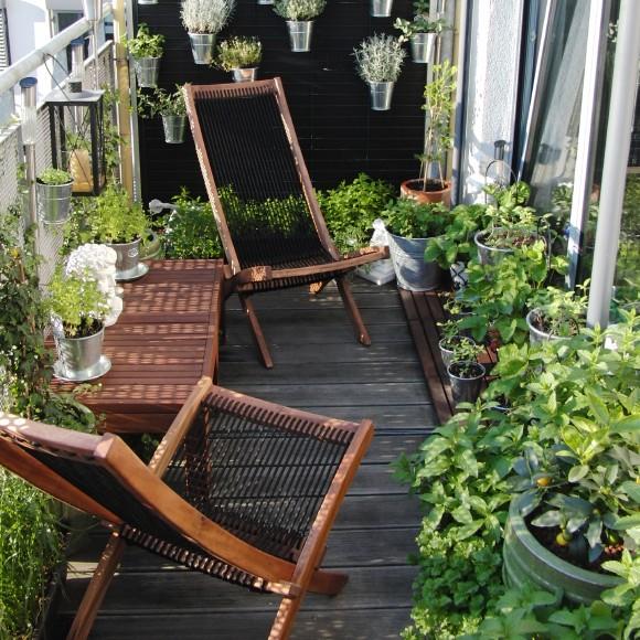 Rumah Cantik dan Indah Dengan Balkon Multifungsi