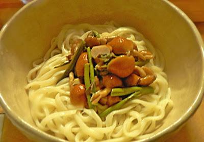 冷たい山菜蕎麦