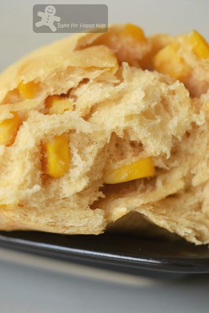 fluffy sweet corn bread rolls