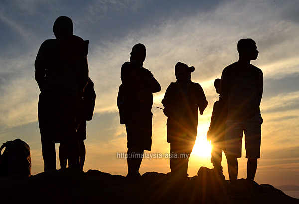 Gili Lawa Darat Sunrise Photo