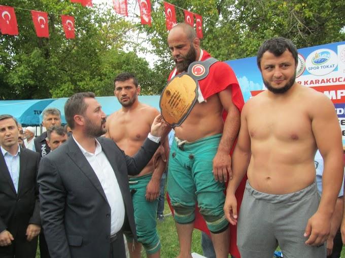 TURHAL'DA KARAKUCAK GÜREŞLERİ YAPILDI