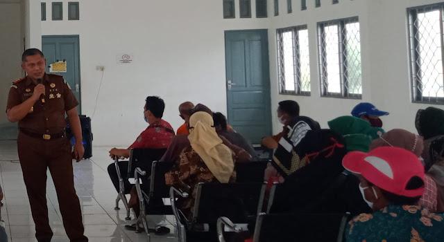 Kejaksanan Negeri Pulang Pisau Melaksanakan Penyuluhan Hukum di 6 Desa