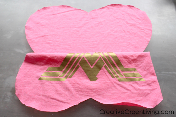 How to make a pillow from an old t-shirt