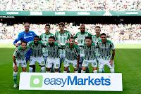 REAL BETIS BALOMPIÉ. Temporada 2019-20. Joel, Mandi, Edgar, Sidnei y Loren. Andrés Guardado, Emerson, Fekir, Sergio Canales, Álex Moreno y Joaquín. REAL BETIS BALOMPIÉ 2 VALENCIA C. F. 1. 23/11/2019. Campeonato de Liga de 1ª División, jornada 14. Sevilla, estadio Benito Villamarín (46.545 espectadores). GOLES: 0-1: 32', Maxi Gómez. 1-1: 37', Joaquín. 2-1: 90+3', Sergio Canales.