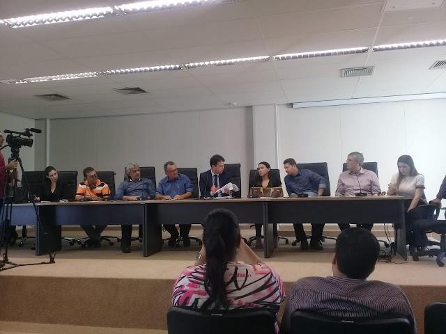 Prefeito Inácio Nóbrega participou de audiência pública para discutir o fim dos lixões