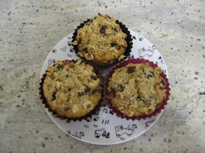 muffins noisettes et pépites de chocolat, poudre de noisettes, noisettes concassées