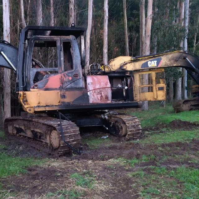 Osorno: Ataque incendiario de madrugada a maquinaria forestal