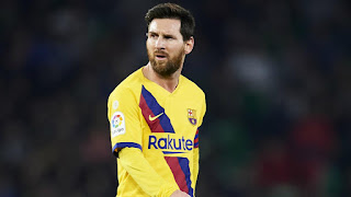 De Jong: It's easy to play by Messi's side because he gives you balls into space