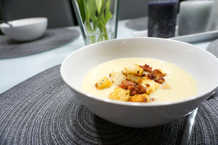 Apfel-Sellerie-Senf Suppe