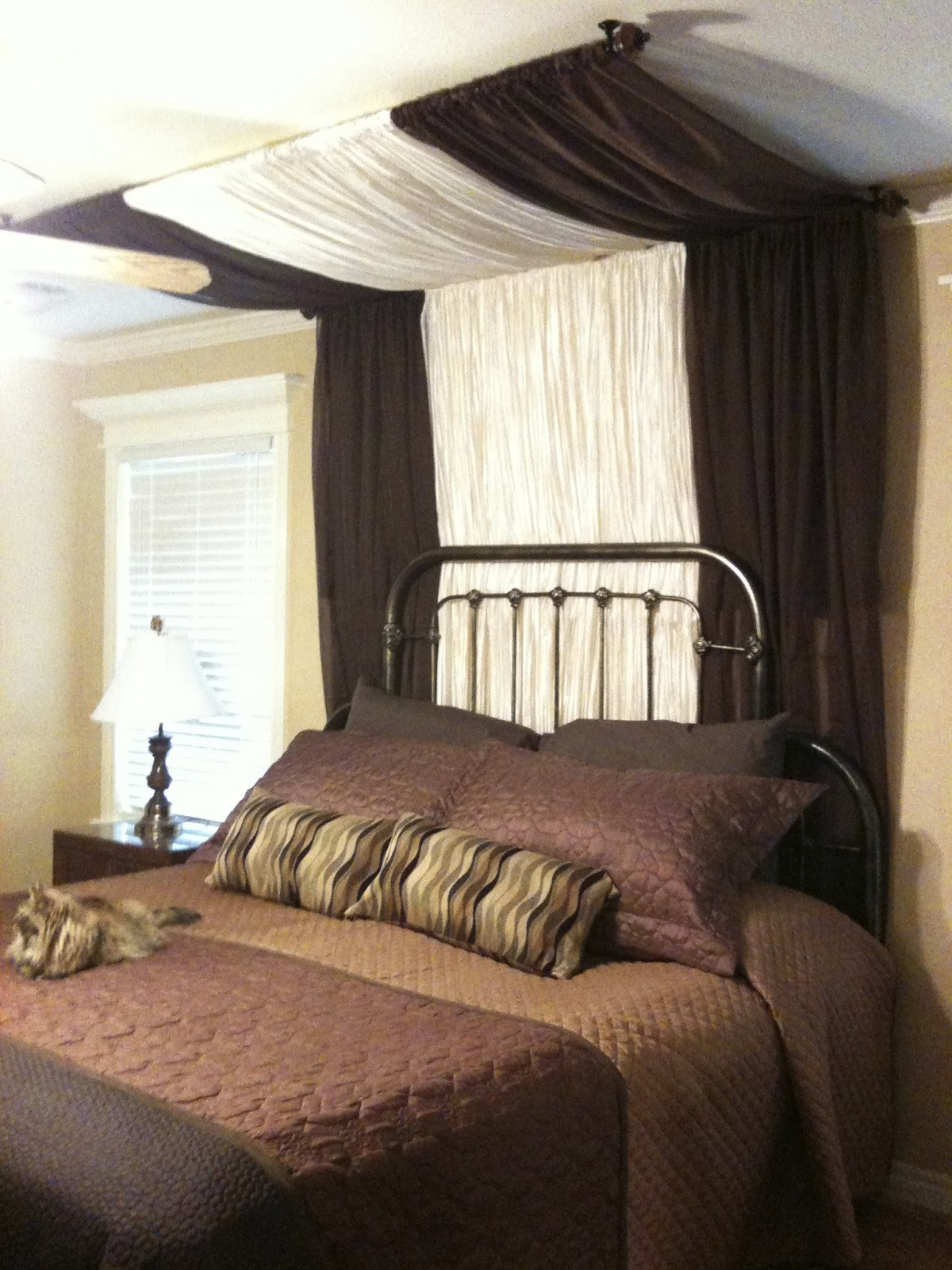 Cher S Projects Around The House Super Simple Bed Canopy