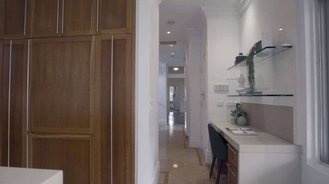 30 Interior Design Photos vs. 2 Webb St, Brighton VIC, Australia Luxury Home Tour