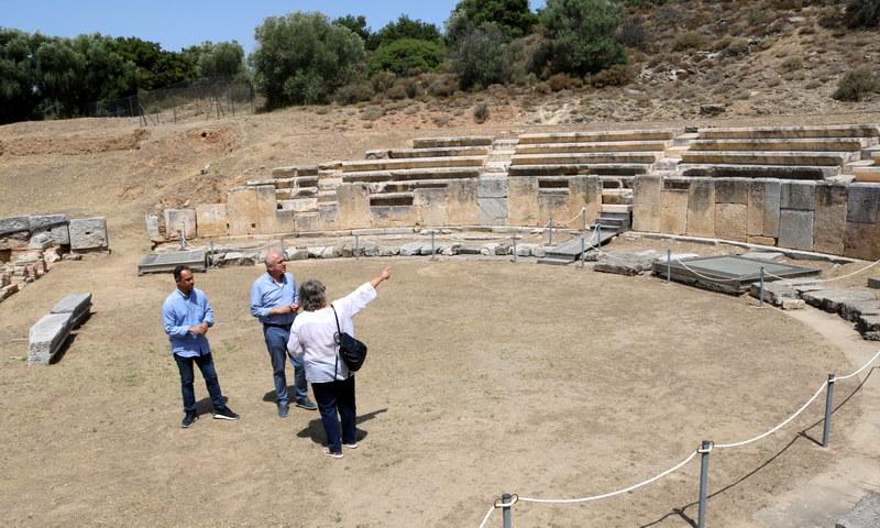 Προστασία και αναβάθμιση των υποδομών του αρχαίου θεάτρου της Μαρώνειας