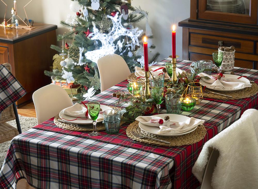Nuestra mesa navideña en cuadros escoceses15