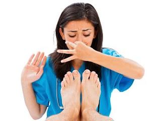 cara ampuh mengilangkan bau kaki