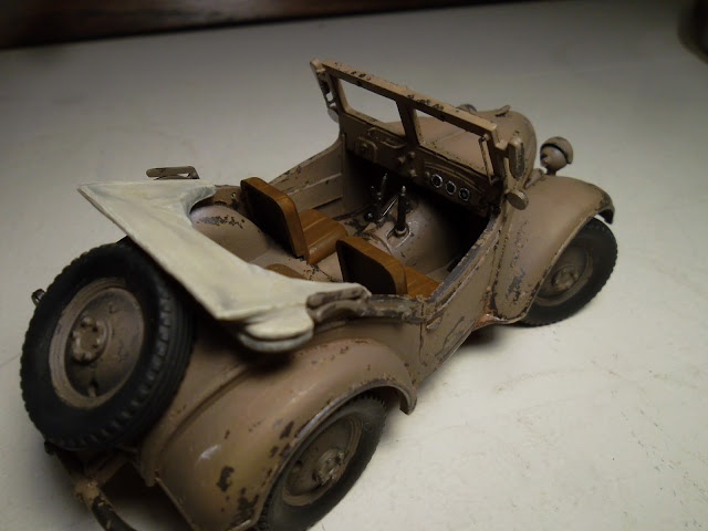 1/35 Kurogane Japanese jeep - the interior takes shape
