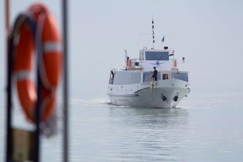 Hétfőtől változik a balatoni hajók és kompok menetrendje