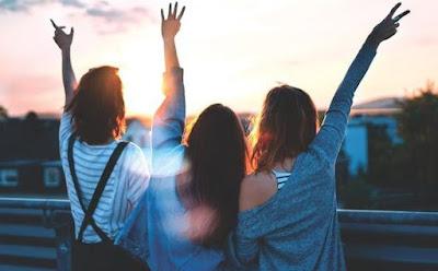 Pantun Sahabat untuk Persahabatan
