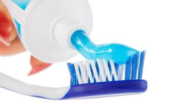 Cara memutihkan ketiak dengan pasta gigi