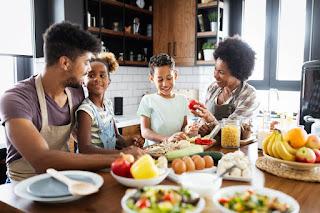 ما هي التغذية الجيدة عند الأطفال والمراهقين؟